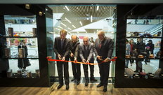"Inauguration du magasin ""Your Royal House"""